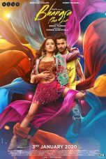Jaggi, who hails from a Punjabi background, wants to exhibit Bhangra on a big platform as he is deeply attached to the dance form. The film showcases a college rivalry where they compete with each other to win the international dance competition.
